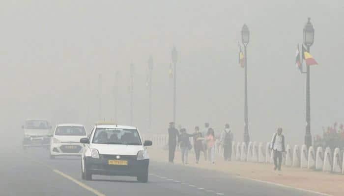 Delhi Traffic Police issues advisory as dust storm lashes NCR