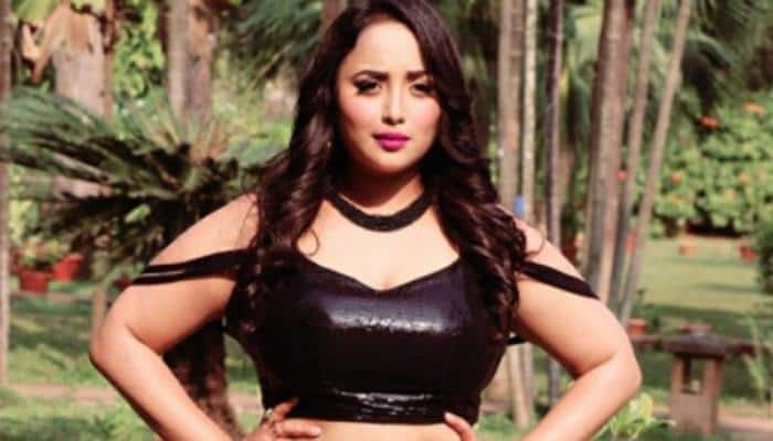 Bhojpuri siren Rani Chatterjee sets the stage on fire with her dance moves on 'Gamjha Bichaike' song—Watch