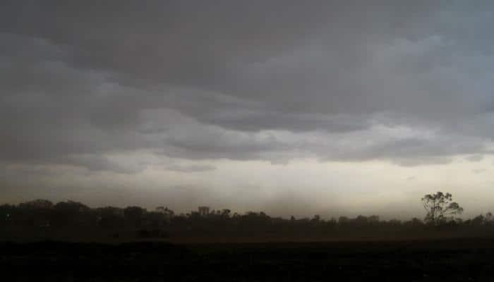 Dust storm hits Delhi NCR, several flights diverted