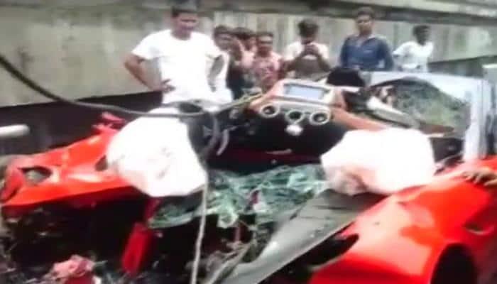 Ferrari sportscar crashes on Kolkata flyover, driver dead