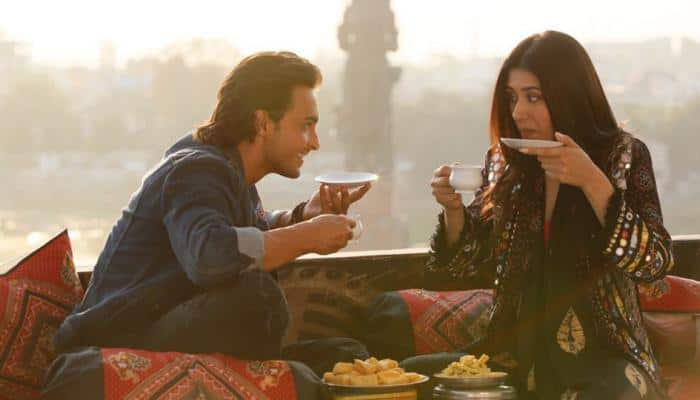 Bollywood celebs have great things to say about Aayush Sharma starrer 'Loveratri'-See inside