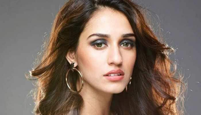 Disha Patani looks captivating in metallic, picture sets Instagram on fire