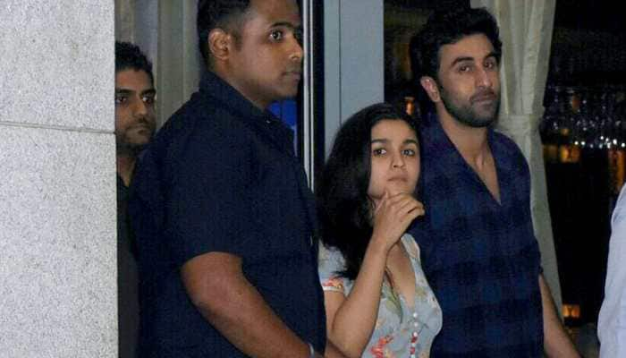 Alia Bhatt singing alleged boyfriend Ranbir Kapoor's song in this throwback video is driving netizens crazy! Watch