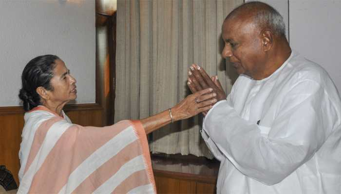 Not averse to projecting Mamata Banerjee as Opposition's PM face for 2019 polls: Deve Gowda