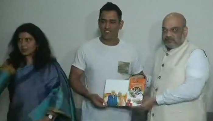 Amit Shah meets MS Dhoni for BJP's 'Sampark Se Samarthan'
