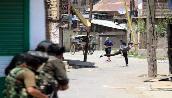 J&K on tenterhooks as Supreme Court to hear petitions challenging validity of Article 35A