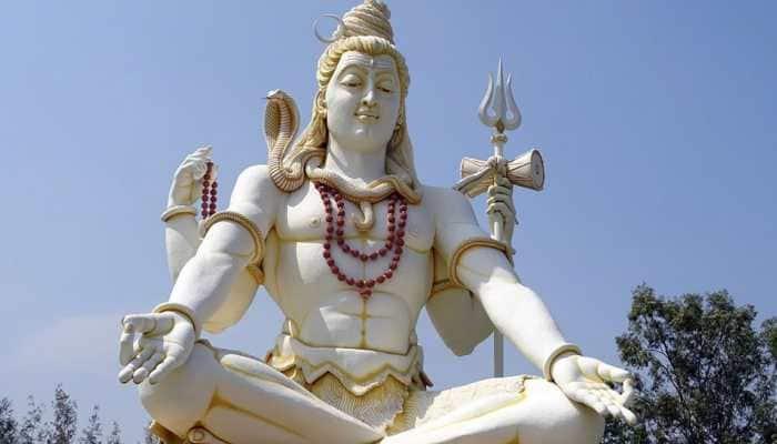 Shravan 2018: Sudarsan Pattnaik pays sand art tribute to Lord Shiva—Pic