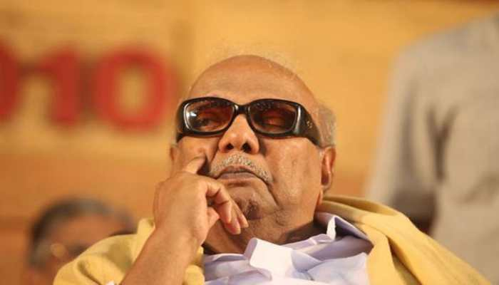Bollywood pays tribute to DMK patriarch M Karunanidhi, mourns his demise