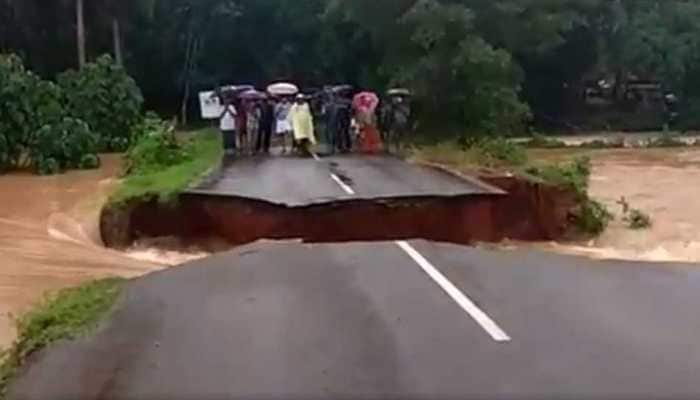 Road washed away in Malappuram as flood hits Kerala - Watch