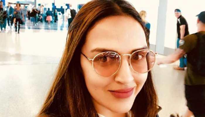 Hema Malini, Esha Deol set to catwalk for 'Cakewalk'