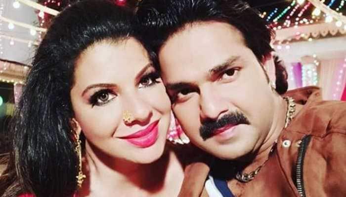 Sambhavna Seth selfie with Pawan Singh is unmissable-See pic