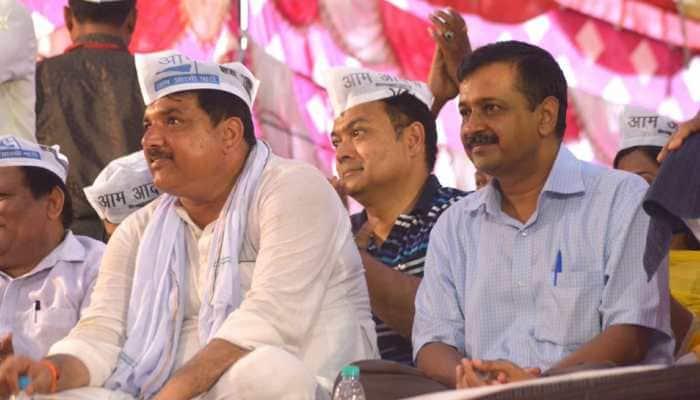 AAP leader Sanjay Singh's car attacked in Madhya Pradesh's Chhindwara