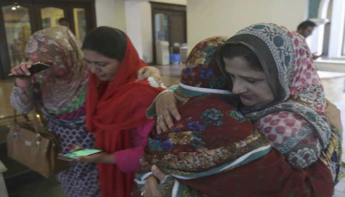 Nawaz Sharif's wife Kulsoom laid to rest as thousands attend her funeral