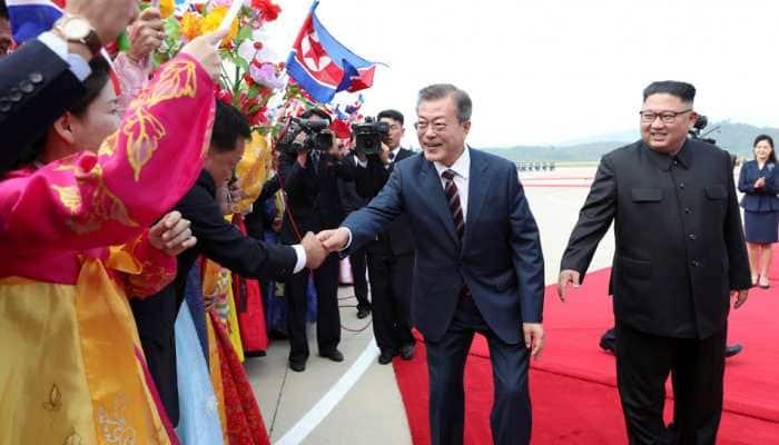 South Korean President Moon Jae-in, North Korean leader Kim Jong-un sign summit agreement in Pyongyang