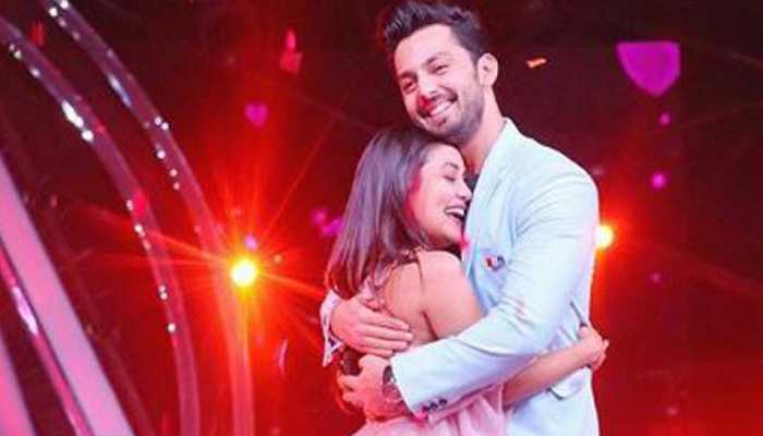 Neha Kakkar and Himansh Kohli make their relationship official on Indian Idol