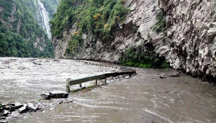 Himachal Pradesh: Heavy rains & flash flood trigger landslides; alert issued