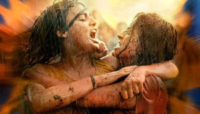 Pataakha movie review: Fire-cracker performances light up the screen