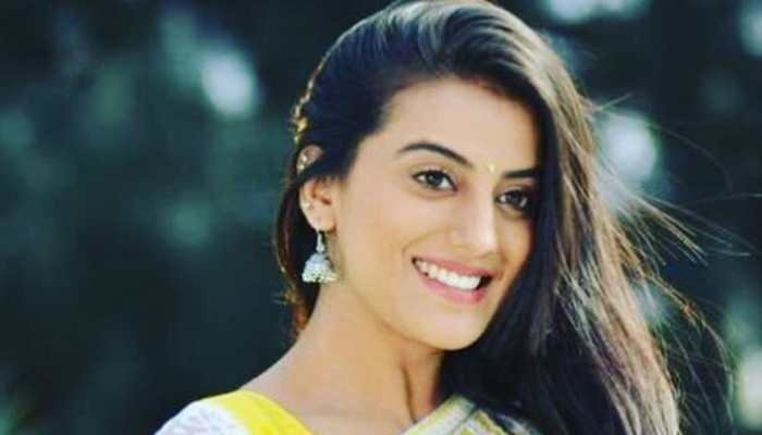 Akshara Singh shares a throwback video and it has got a dreamy feel to it—Watch
