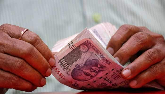 Rupee hits lifetime low of 73.34 against dollar