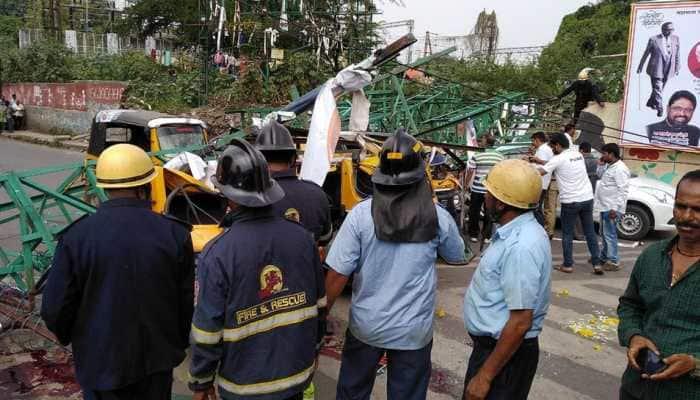 Pune: Railways announces 5 lakh compensation for dead, 1 lakh for injured in flex board mishap
