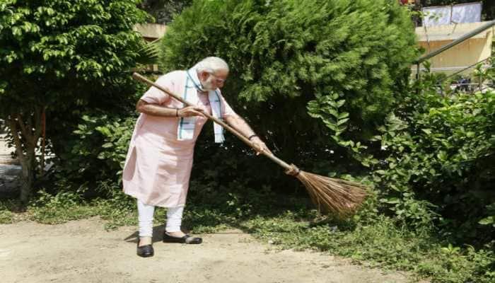 Bill Gates heaps praise on PM Narendra Modi for Swachh Bharat campaign