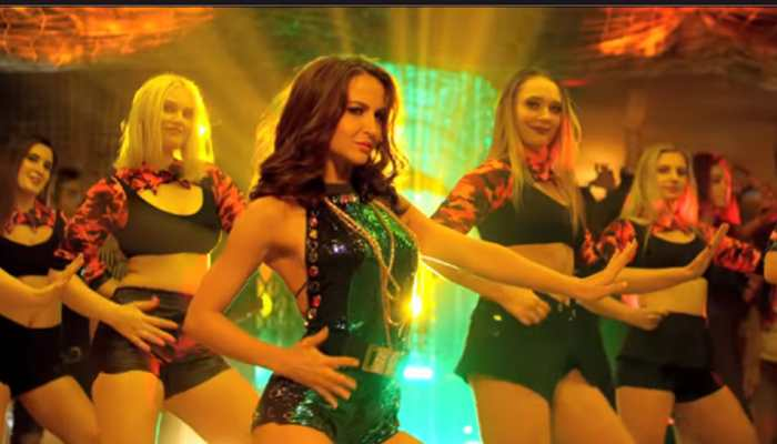 Elli AvrRam's latest dance video will end your boring day! Watch