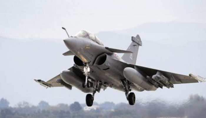 Amid Congress-BJP war over Rafale jets, Supreme Court to examine pricing details submitted by Centre