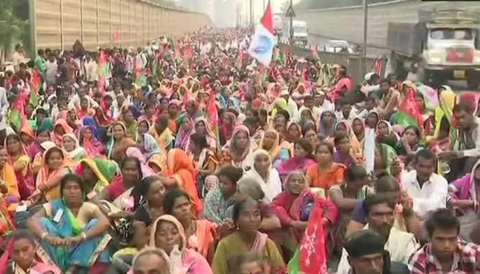 Maharashtra: Farmers continue march, to meet Devendra Fadnavis