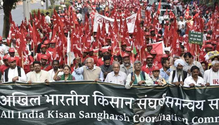 Thousands of farmers march towards Parliament; 3,500 cops deployed