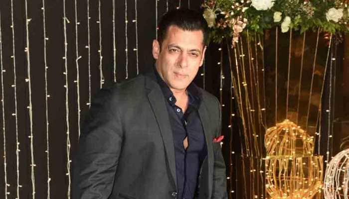 Salman Khan makes a dashing entry at Priyanka Chopra-Nick Jonas reception