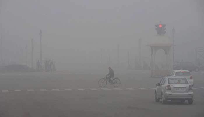 Delhi shivers under cold wave, air quality drops drastically
