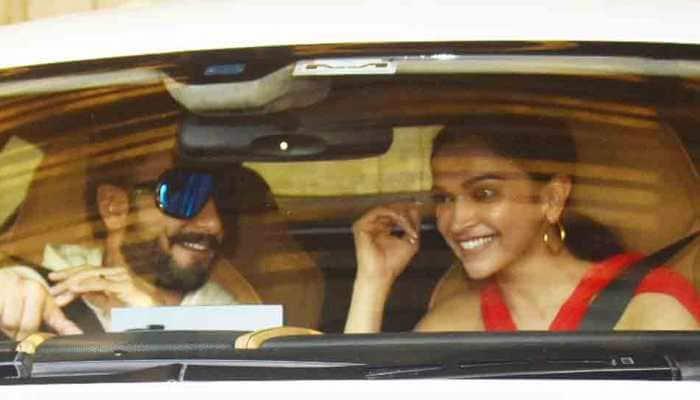 Deepika Padukone, Ranveer Singh can't stop laughing as they head to Zoya Akhtar's Christmas bash