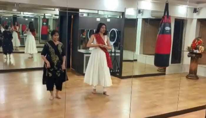 Sushmita Sen learns kathak from her guru and the video is unmissable—Watch