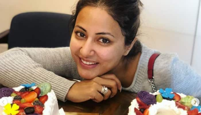 Hina Khan completes 10 years in the TV industry, cuts cake to celebrate-See pic