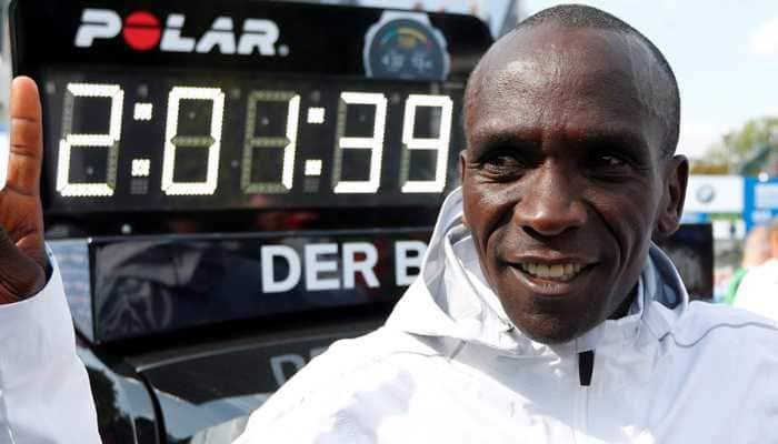 Defending champion Eliud Kipchoge to run 2019 London Marathon, faces Mo Farah test