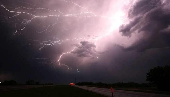 Thousands of lightning strikes spark wildfires in Australia