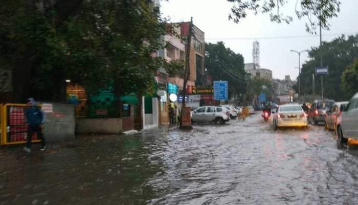 Heavy rain causes waterlogging in Delhi-NCR; police issue traffic alerts