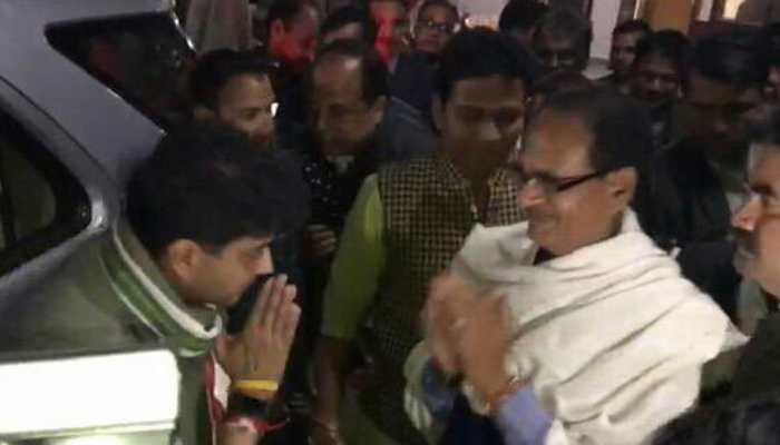 Jyotiraditya Scindia-Shivraj Singh Chouhan Monday night meeting sets rumour mills abuzz
