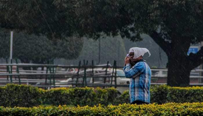 21 trains delayed due to fog in New Delhi
