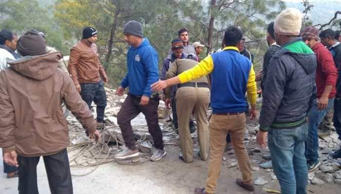 Five dead, many injured after van falls into deep gorge in Uttarakhand
