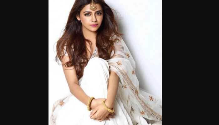 Ravi Kishan's daughter Riva to debut with 'Sab Kushal Mangal'
