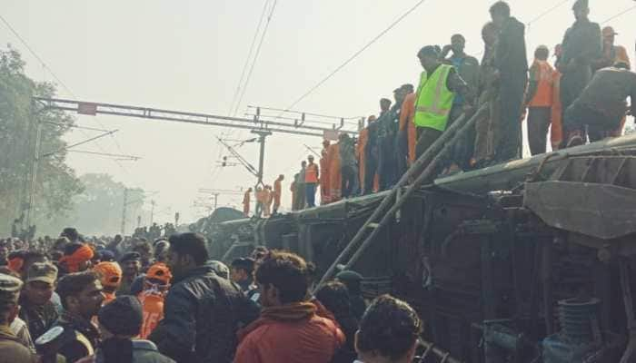 Bihar train derailment: Agitated crowd pelts stones at rescue teams, death toll goes up to 7