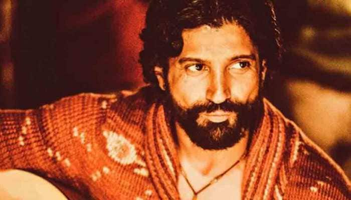 Farhan Akhtar flies to UK for launch of debut album 'Echoes'