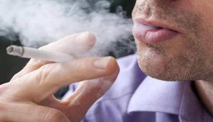 EU health official slams Greek minister for defying smoking ban