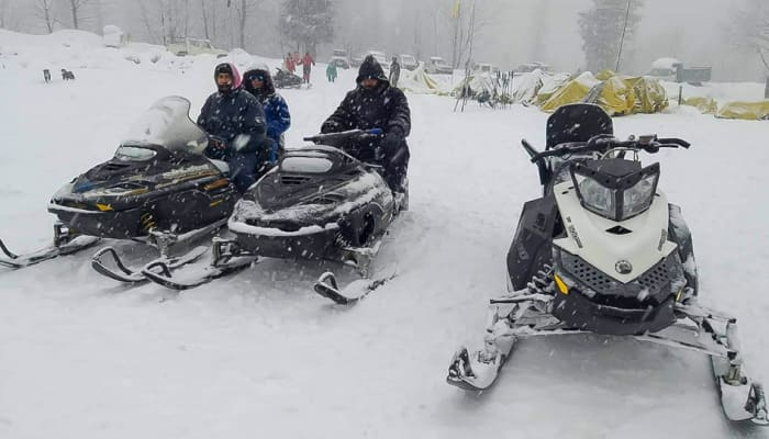IMD issues heavy snow, avalanche warning in Himachal Pradesh