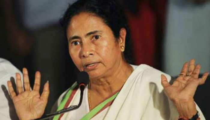 Bengal Congress slams Mamata Banerjee, demands swift action against Saradha scam accused
