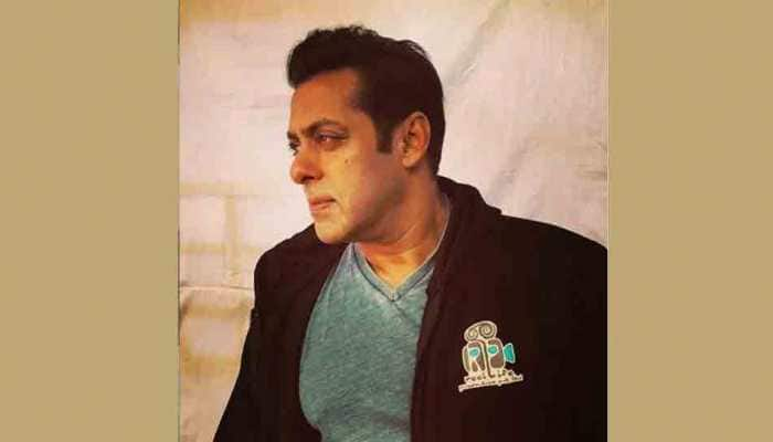 Salman Khan sports grey stubble in this latest still from the sets of Bharat — Take a look