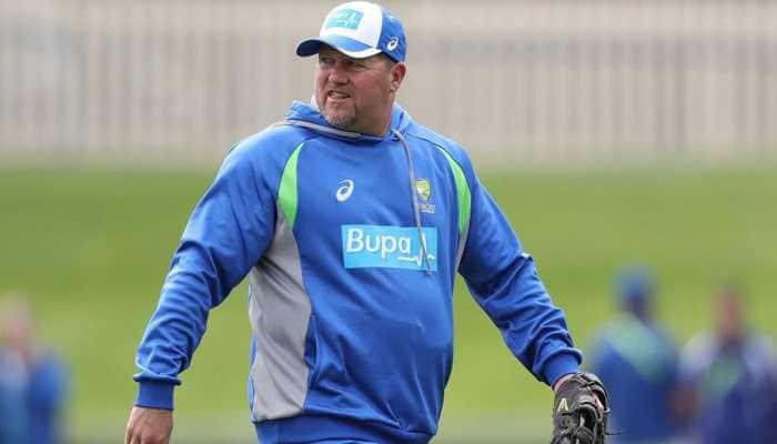After criticising performance vs India, Australian bowling coach David Saker resigns