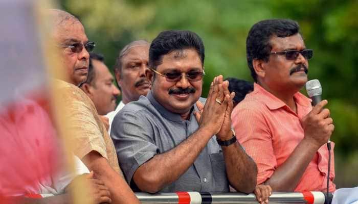 SC for now refuses 'pressure cooker' symbol to Dhinakaran-led AMMK