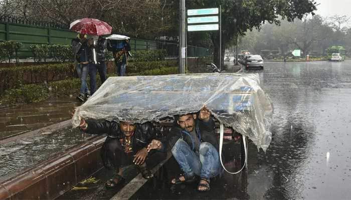 Hailstorm, heavy rainfall lash Delhi; 38 flights diverted